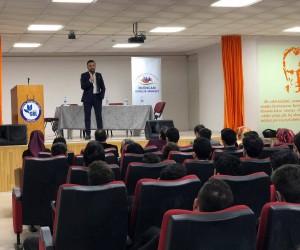 Aktürk Gençlere Avukatlık Mesleğini Anlatıyor
