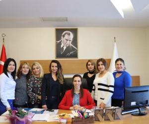 Elif Acar, kadın gazetecilerle bir araya geldi