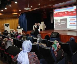 Sungurlu'da çocuk konulu konferans