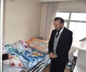 Başkan Doğan'dan ölümden dönen Veysel'e ziyaret