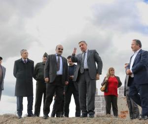 Vali Yılmaz, Kozluca Köyü'nde