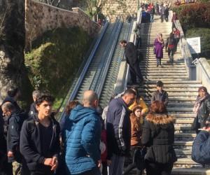 Bursa'da yürüyen merdivende can pazarı: 8 yaralı