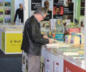 Bakan Kurtulmuş, 5'inci Uluslararası Kitap Fuarının açılışını gerçekleştirdi
