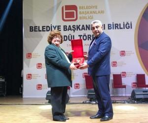Fatih Çalışkan, Ege'nin en beğenilen İlçe Belediye Başkanı