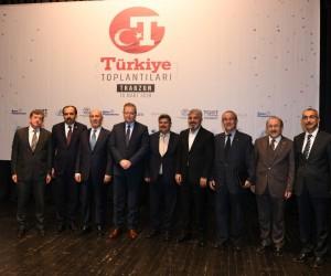 Türkiye Gazetesi Yazarları Trabzon'da okuyucularıyla buluştu
