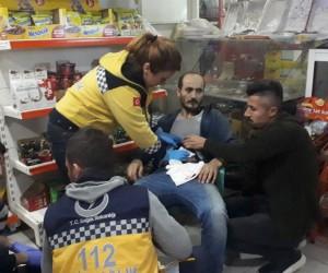 Kayınbiraderi tarafından defalarca bıçaklanan şahıs markete sığındı