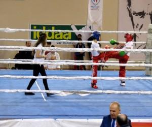 Mudanya'da kick boks fırtınası