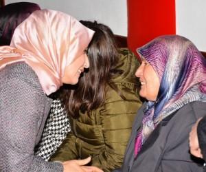 Esra Tüfenkci şehit anneleriyle buluştu