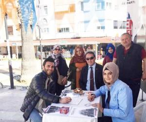 AK Parti mobil üye kayıt aracı Altınoluk'ta