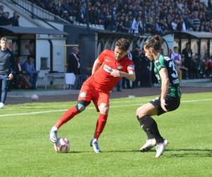 TFF 2. Lig: Nazilli Belediyespor:3 -Sakaryaspor:0