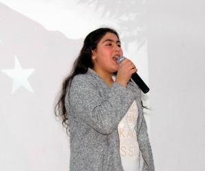 Ahıska Türkü çocuklar İstiklal Marşı'nı güzel okumak için yarıştı