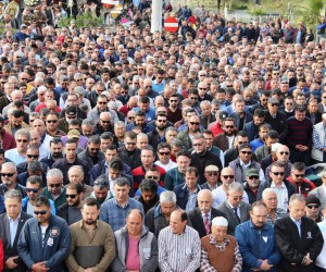 Bodrum'da belediye başkan yardımcısını son yolculuğuna binler uğurladı