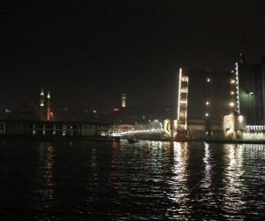 Karaköy İskelesi Haliç Tersanesine getirildi