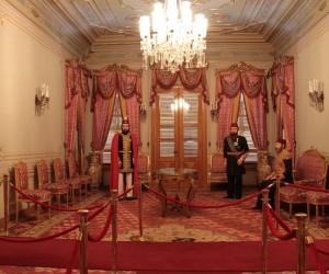 Hünkâr Köşkü Müzesi'nde saray halıları koleksiyonu göz kamaştırıyor