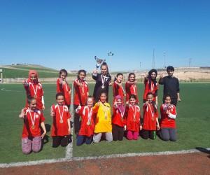 Yıldız Kızlar'da şampiyon Sason İstiklal Ortaokulu