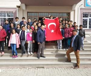 Öğrencilerden Mehmetçiğe bağış kampanyası