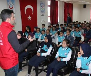 Gençlere afet bilinci eğitimi verildi