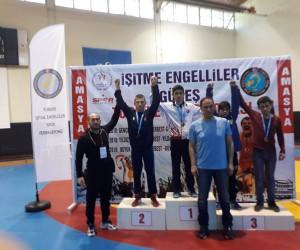 Palandöken Belediye Spor güreş takımı sporcusu Türkiye şampiyonu oldu