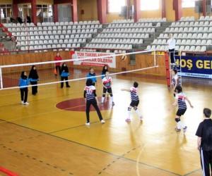 Sivas'ta liseler arası voleybol turnuvası
