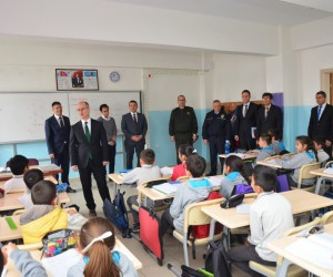 Kaymakam Yaman ve Başkan Bakıcı'dan okul ziyaretleri