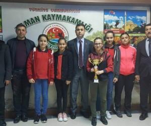 Köy Ortaokulu öğrencilerinden masa tenisi turnuvası birinciliği