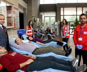 Spor Bilimleri Fakültesi öğrencileri kan bağışladı