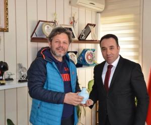 Dart Milli Takım Antrenörü Çelebi'den İl Müdürü Yıldız'a ziyaret