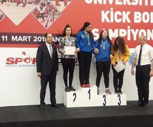 Malatyalı boksör Özge Çalışkan Türkiye 2'ncisi oldu
