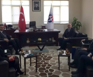 Rektör Yılmaz'dan Naci Topçuoğlu MYO'na ziyaret