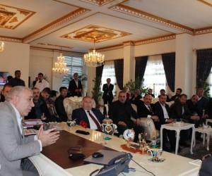 Çat Belediye Başkanı Arif Hikmet Kılıç, hemşehri derneklerinin yöneticilerini ağırladı