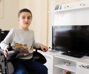 Kas hastası küçük Ali, tedavi olmazsa en fazla 20 yaşına kadar yaşayabilecek