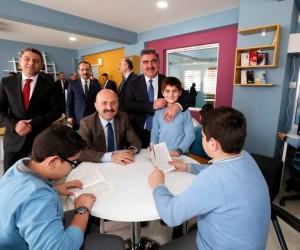 Belediyeden Hattat Hamdullah İmam Hatip Ortaokuluna Z-Kütüphane