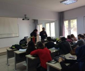 Üniversite öğrencilerine yangın eğitimi