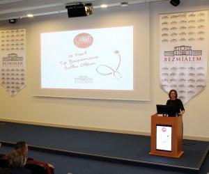 """Prof. Dr. Kazancıoğlu: """"İnsanların en büyük hazinesine sahip çıkan bir mesleğe sahibiz"""""""