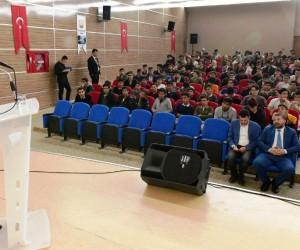 Şanlıurfa'da 300 öğrenci Çanakkale Zaferini sinemada izledi
