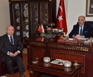 Eski Bakan Kutbettin Arzu'dan, Başkan Yücelik'e ziyaret