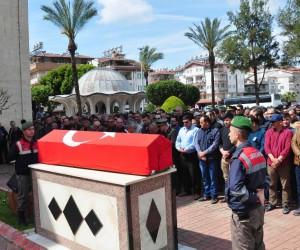 Kalp krizi sonucu hayatını kaybeden Uzman Çavuş Antalya'da toprağa verildi
