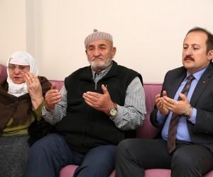 Vali Ali Hamza Pehlivan şehit ailelerini ziyaret etti