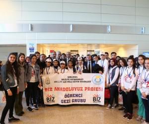 Demirkol Haliliye'li öğrencileri İstanbul'a uğurladı