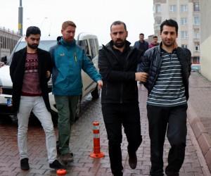 FETÖ'den tutuklanan şahıslara maddi yardım yapan 4 kişi gözaltına alındı
