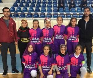 Aslanapa Yıldız Kızlar Futsal Takımı'nın başarısı