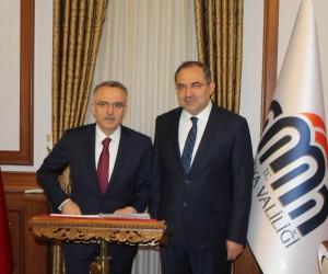 Bakan Ağbal Malatya Valisi Kaban'ı ziyaret etti