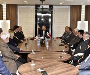 Başkan Uysal, Gazileri ağırladı