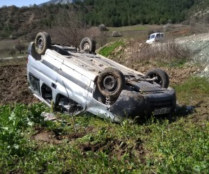 Bilecik'te trafik kazası, 3 kişi yaralandı