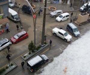 Hakkari'de kısa süreli dolu yağışı