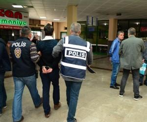 İzmit Şehirlerarası Otobüs Terminali'nde huzur uygulaması: 4 gözaltı