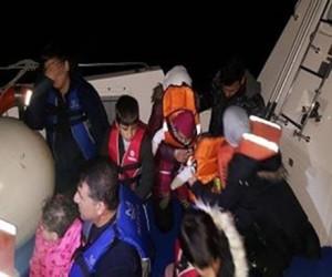 Çeşme'de 18 kaçak göçmen yakalandı