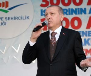 Cumhurbaşkanı Erdoğan, Sur'da temel atma törenine katıldı