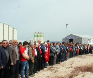 Afrin şehitleri için sınırda gıyabi cenaze namazı kılındı