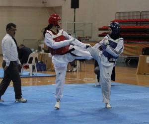 Taekwondo gençler grup müsabakaları tamamlandı